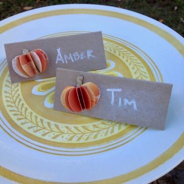 amberladley-happilyupcycled-book-page-pumpkins - 4