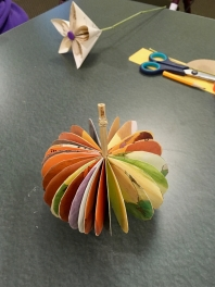 amberladley-happilyupcycled-book-page-pumpkins - 6