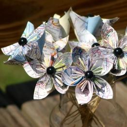 upcycled-flower-amberladley-happilyupcycled1